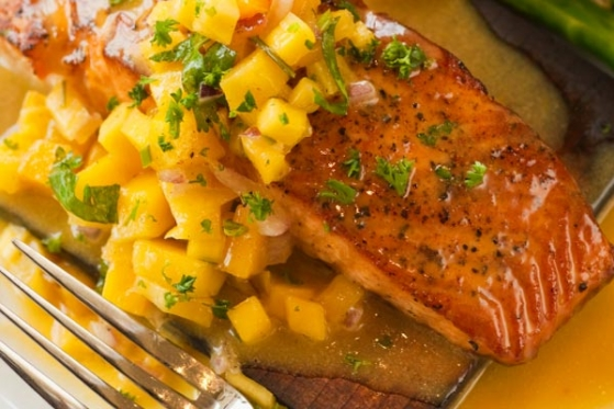Traeger Grill Recipes Des Moines: Cedar Planked Salmon w Mango ...