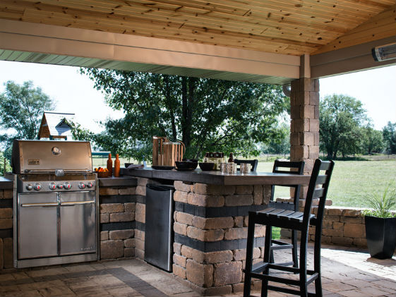 Outdoor kitchen belgard pavillion